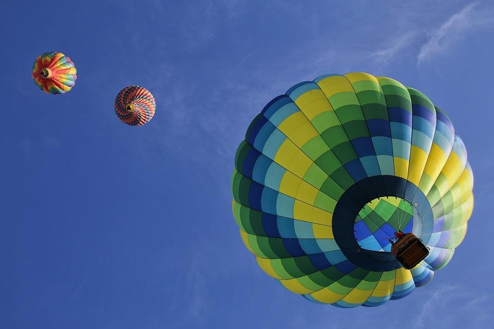 Lety balónem, tandemové seskoky, seskoky padákem