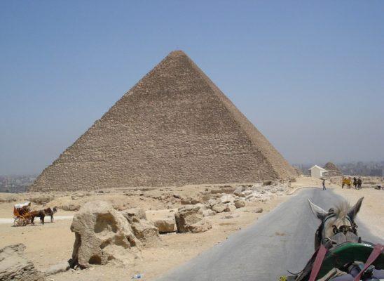 pyramid-89047_960_720