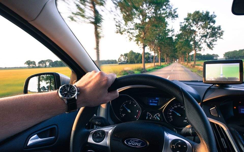 driving-2732934_960_720